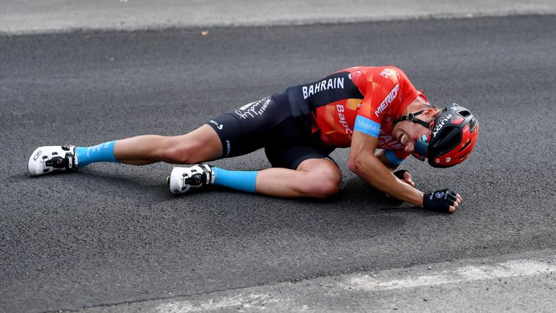 La dolorosa caída de Landa a 4km de meta que le ha obligado a abandonar