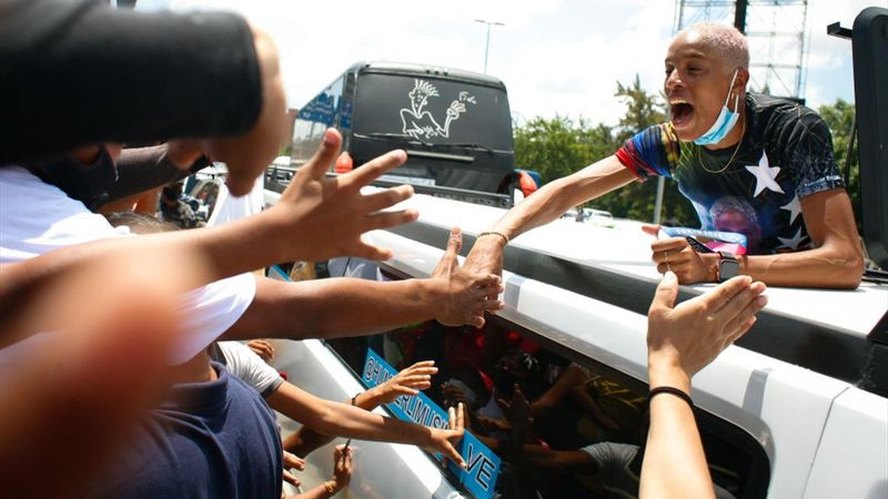 Locura en el recibimiento a Yulimar Rojas en Caracas más de un mes después de su oro olímpico