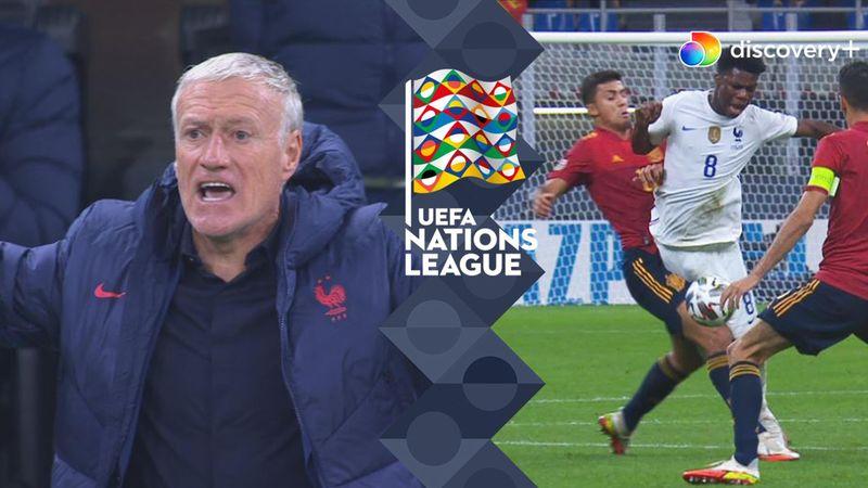 """""""Hvorfor giver han ikke gult kort?"""": Passiv dommer med kontroversielt kald i 20. minut af NL-finale"""