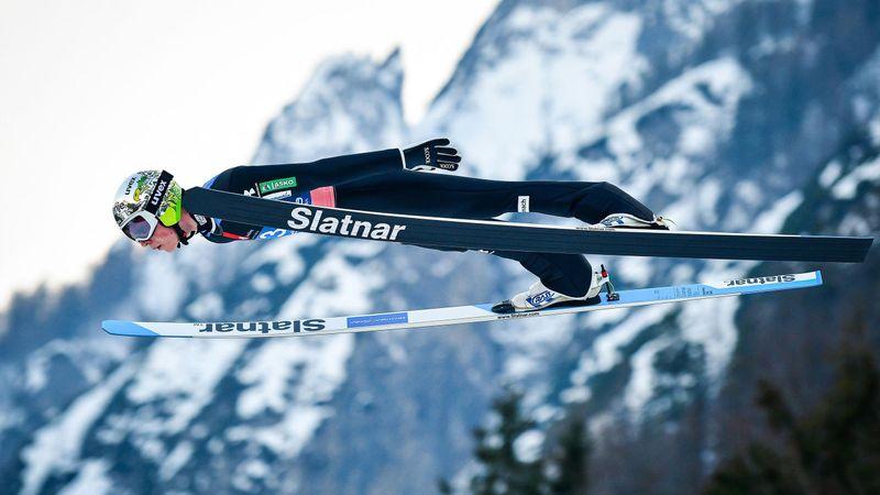 """""""Eine Augenweide!"""" Slowene fliegt beim Heimspiel auf 243 Meter"""