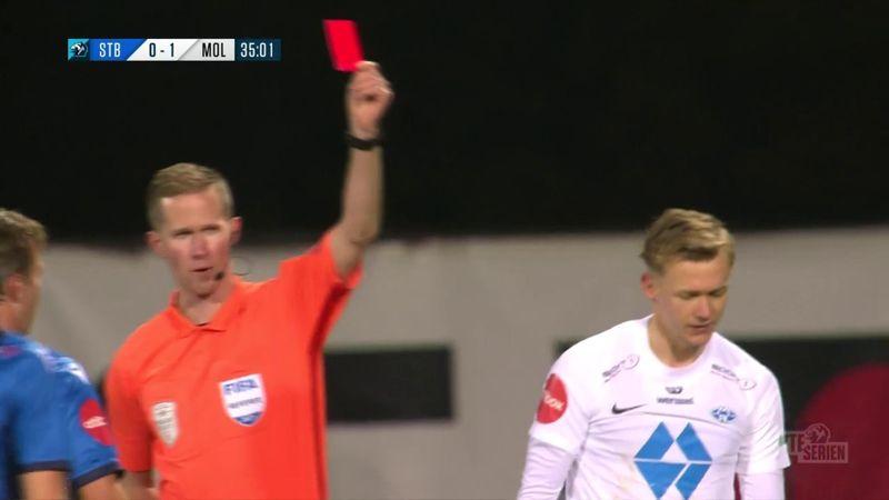Her blir Molde-spilleren utvist