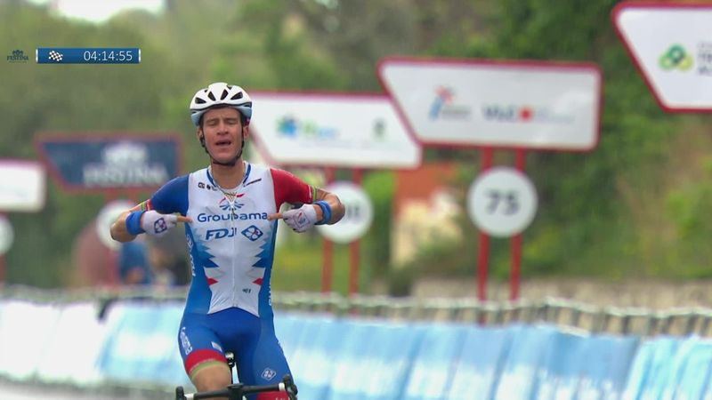 Miles Scotson powers to impressive victory in first stage in Valencia