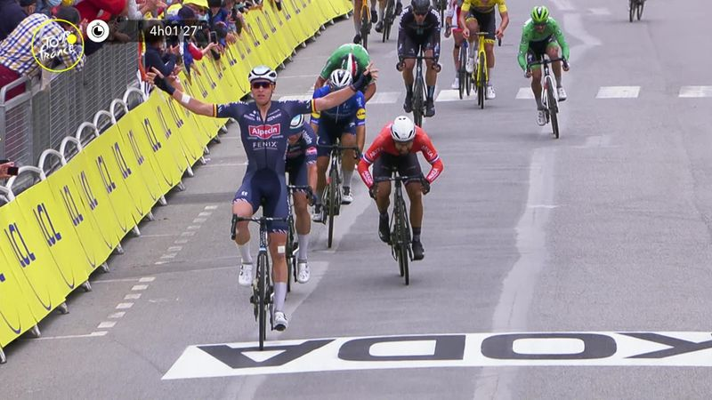 'Another disaster' – Ewan and Sagan wiped out as Merlier wins chaotic sprint