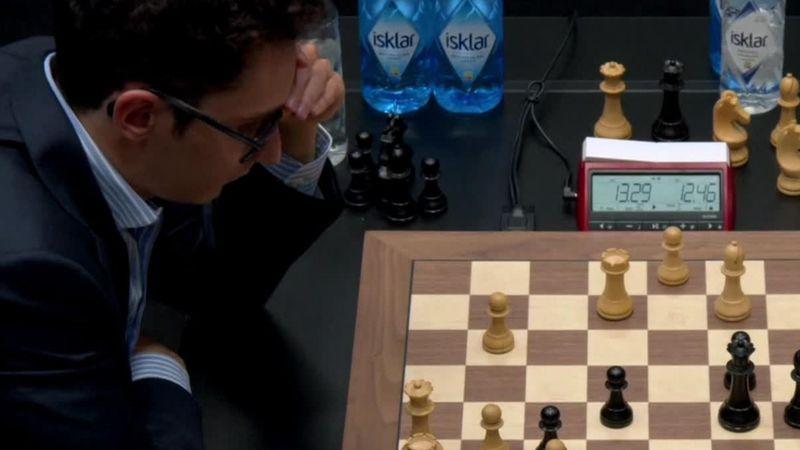 Il Mondiale di scacchi non si sblocca: anche la decima del match Carlsen-Caruana è patta