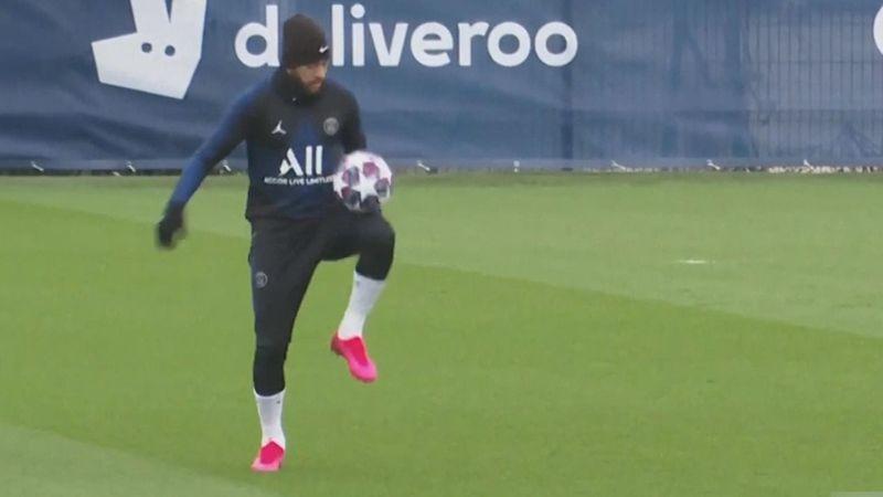 Neymar da un recital de toques mientras trota en el entrenamiento del PSG