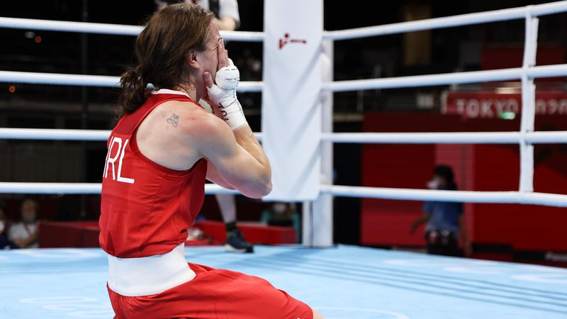 Boxeo (F) | ¡No pudo contener la emoción! Así ganó el oro Harrington en el peso ligero