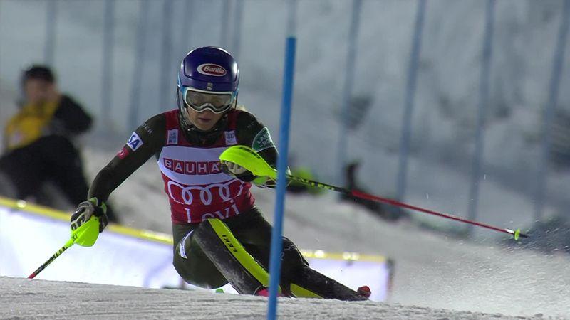 Wereldbeker Levi | Mikaela Shiffrin wint haar eerste slalom van dit seizoen