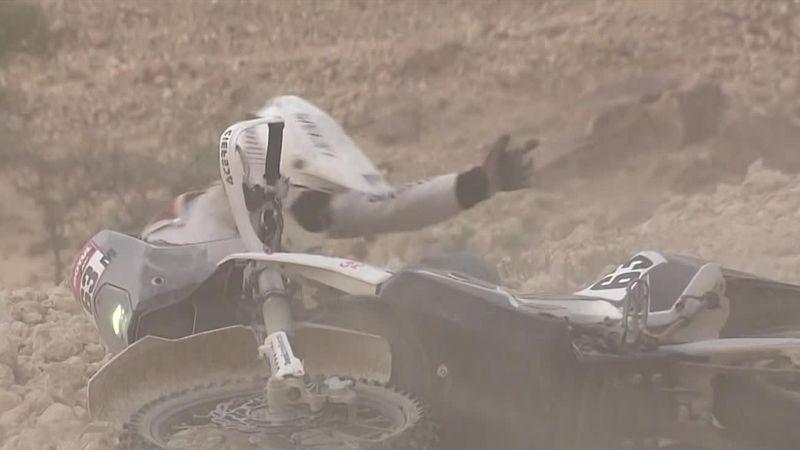 Как мотоциклисты падали на острые камни и тонули в песке на 5-м этапе