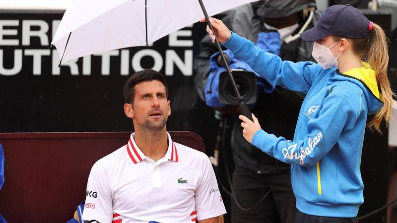 """Djokovic craque et engueule l'arbitre : """"Combien de temps encore vous voulez jouer ?"""""""