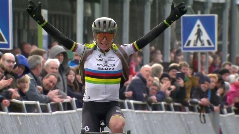Omloop Het Nieuwsblad| Solo winst Van Vleuten Omloop het Nieuwsblad