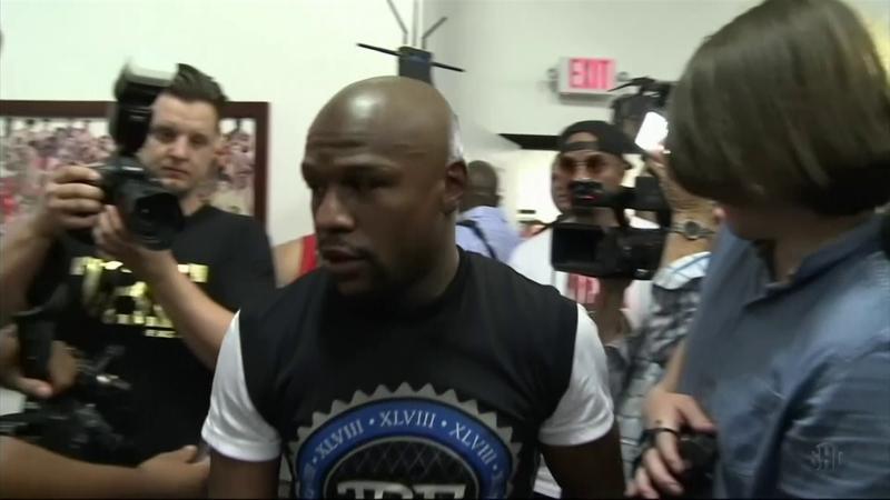 Floyd Mayweather torna sul ring per sfidare uno youtuber