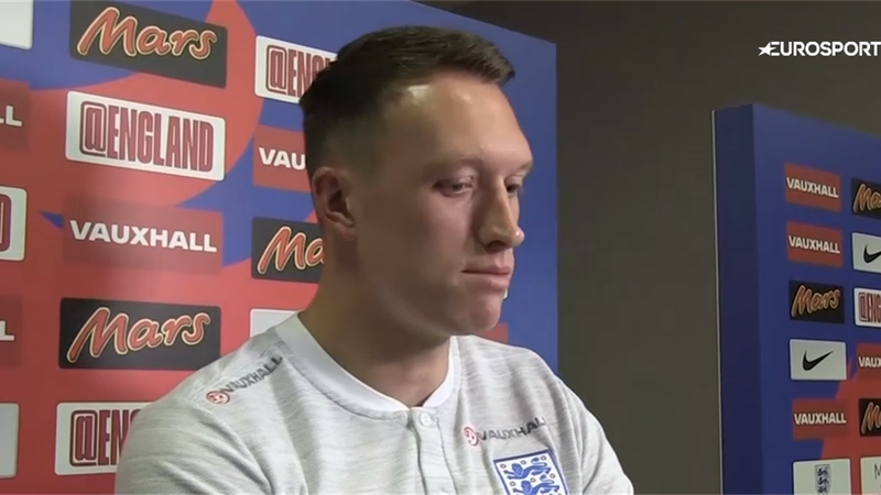 Jones: England players are all fighting for each other
