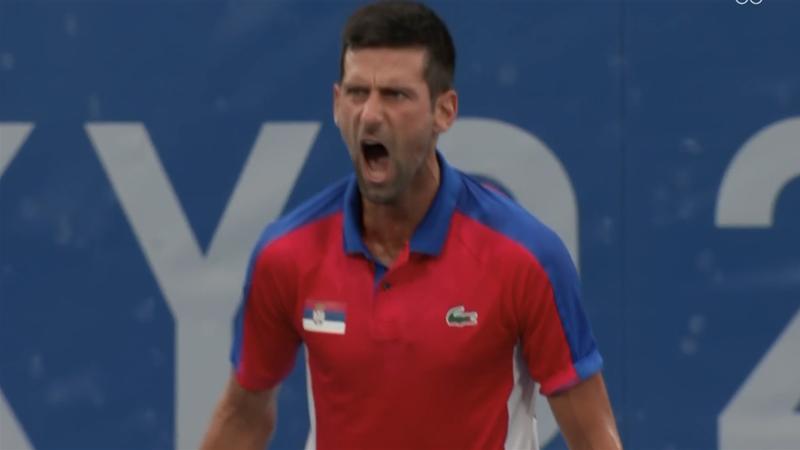 Djokovic, criză de nervi la Jocurile Olimpice, după ce a fost întors incredibil de Zverev