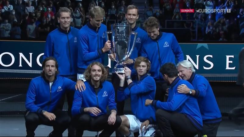 Berrettini festeggia la Laver Cup insieme ai compagni del Team Europe
