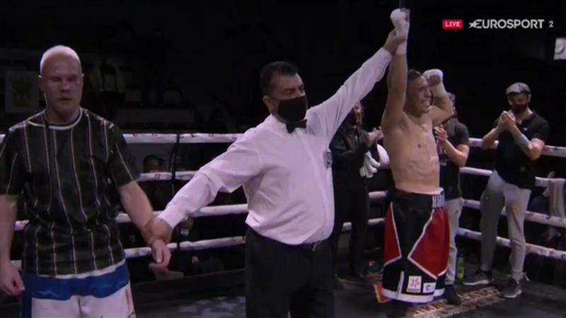 ¡Una víctima más! 'Maravilla' Martínez vence por KO técnico a Koivula