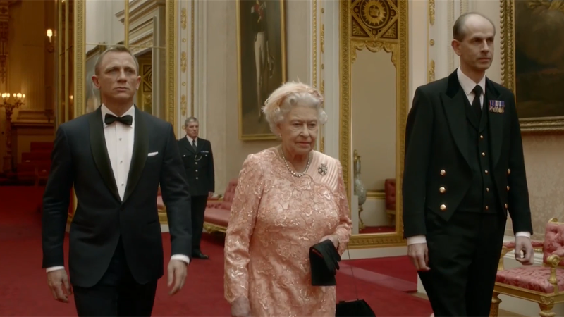 #Returnto2012 – James Bond escorts the Queen to Opening Ceremony