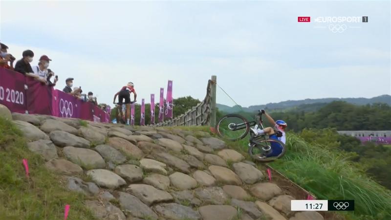 Ferrand-Prevot, la poisse : sa chute en début de course qui l'aura retardée